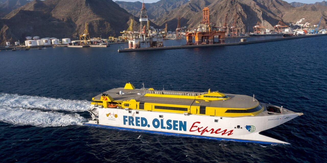 Fred. Olsen suspende la línea de Lanzarote e interior gomera
