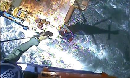 Guardia Costera evacuó a un marino mercante de un buque a 7 millas de la costa de Corpus Christi por tener problemas de salud
