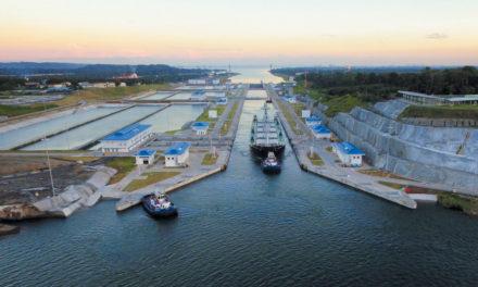 Los tránsitos por el Canal de Panamá disminuyen considerablemente debido a la pandemia