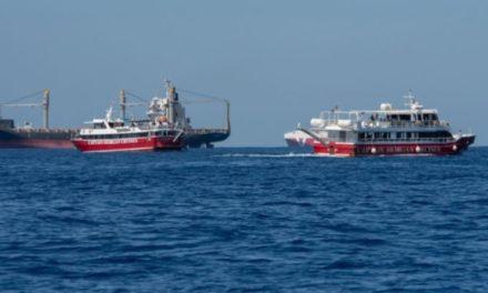 Migrantes secuestraron un barco, amenazaron a la tripulación y consiguieron lo que pedían
