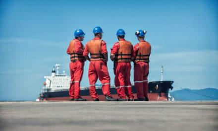 OMI: Los gobiernos deben actuar urgentemente para garantizar el cambio de tripulación en los buques