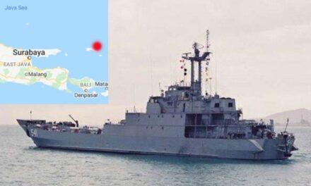 Buque de asalto de la marina indonesia se hundió en el mar de Java