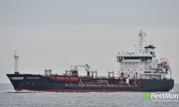 Buque tanquero inutilizado por una prueba rápida en Algeciras