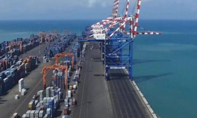 Djibouti ofrece apoyo para el cambio de tripulación y se prepara para más