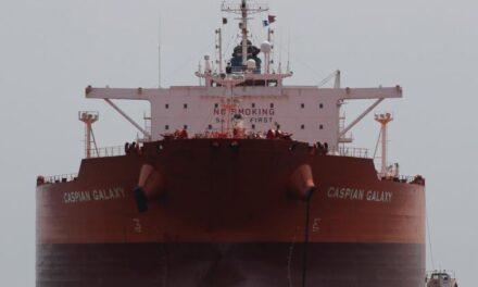 El exceso de petróleo en el mar comienza a reducirse