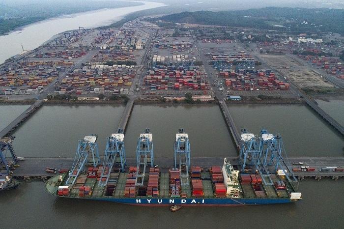 El primer puerto de la India basado en JNPT SEZ comienza a operar