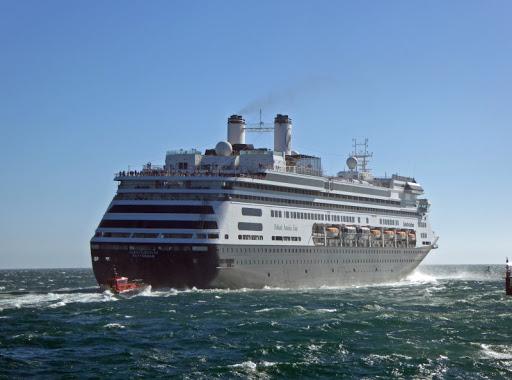 Fred. Olsen compra dos buques de Holland America Line