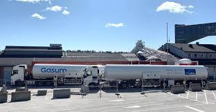Gasum completa el primer abastecimiento de GNL de camión a barco para un buque de investigación