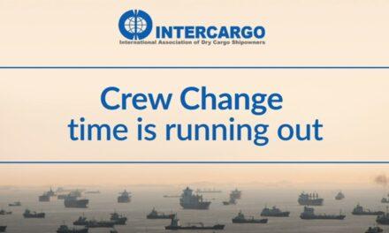 Intercargo repite el llamado a una acción urgente para el cambio de la tripulación mientras las restricciones se incrementan de nuevo