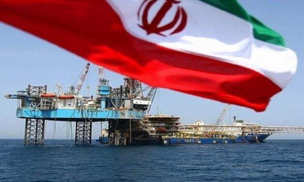 Irán firma un acuerdo petrolero de 460 millones de dólares, anticipando el fin de las sanciones