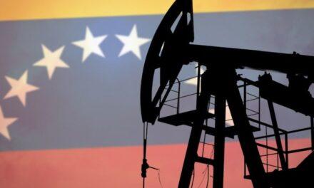 La producción de petróleo de Venezuela sigue cayendo en picada
