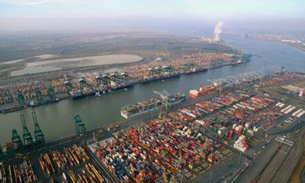 Oficiales belgas investigan buque tanquero con propagación de COVID-19 a bordo