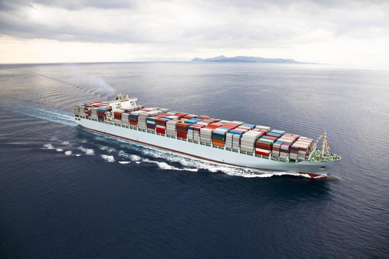 Seaspan gasta 146 millones de dólares en efectivo para un par de portacontenedores