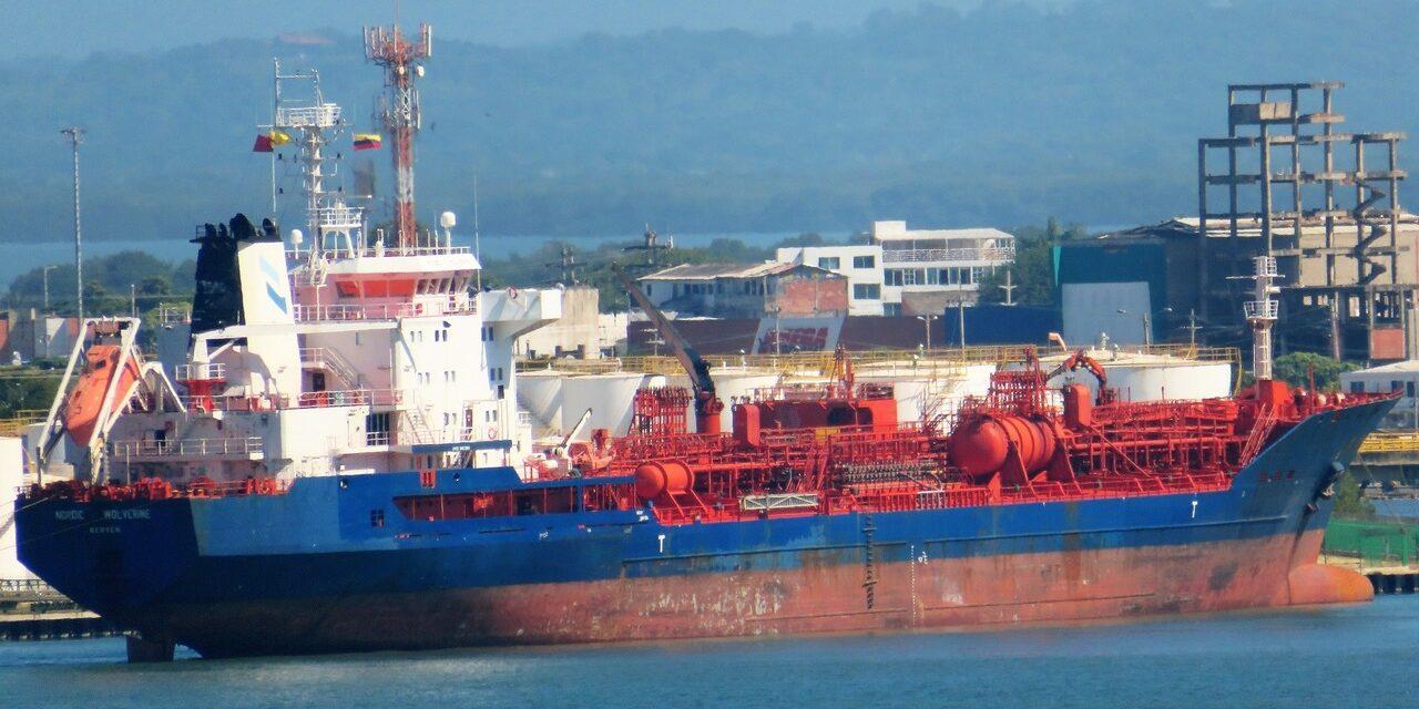 El buque tanque NORDIC WOLVERINE fue encontrado positivo para coronavirus y ahora está en cuarentena