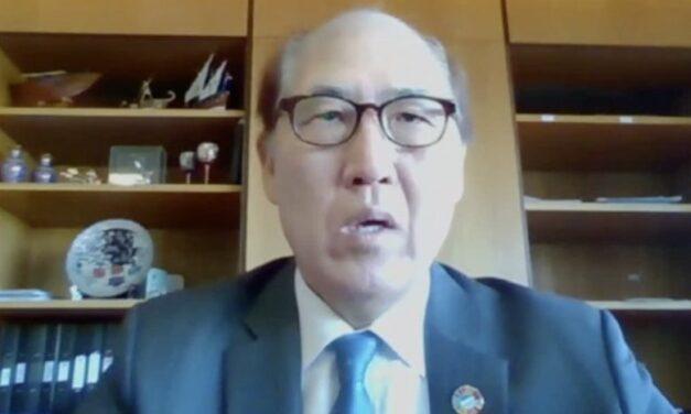 Kitack Lim discute la crisis del cambio de tripulación