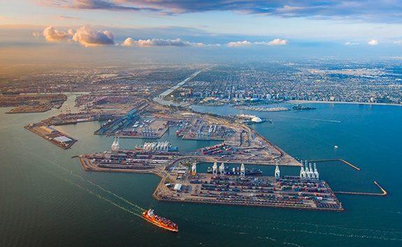 Los barcos y camiones son el objetivo de las últimas directivas sobre contaminación de California