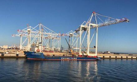 Primer embarque en Cádiz de ocho grúas para Tánger Med