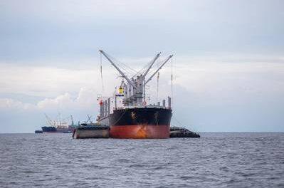 Principal índice de fletes marítimos de la Bolsa del Báltico cayó el viernes