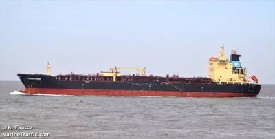 Un buque tanquero de la Maersk está «atrapado» en el mar tras rescatar a migrantes frente a las costas de Malta