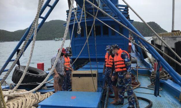 Vietnam: La Policía Marítima detiene un buque que transporta 100.000 litros de gasóleo indocumentado