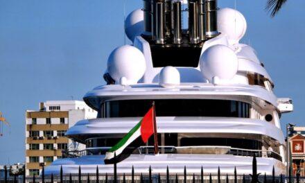 480.000 euros por ocho meses de atraque en el puerto de Cádiz