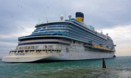 """El crucero de turismo """"Costa Firenze"""" sale a pruebas de mar"""