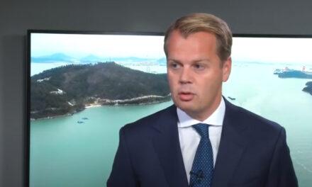 El director ejecutivo Macleod de la empresa de buques tanqueros Frontline se retira