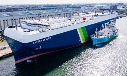 Japón lleva a cabo el primer abastecimiento de GNL de barco a barco