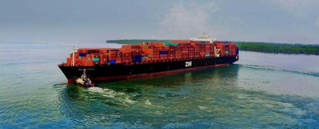 La línea de contenedores ZIM y Alibaba firman un acuerdo de cooperación