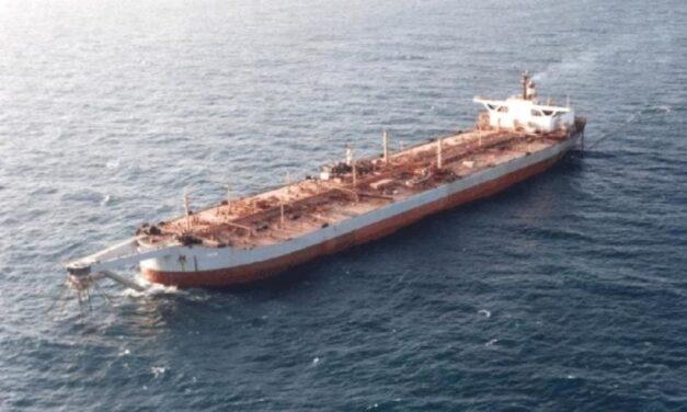 La OMI no puede evitar que este enorme buque petrolero se derrame
