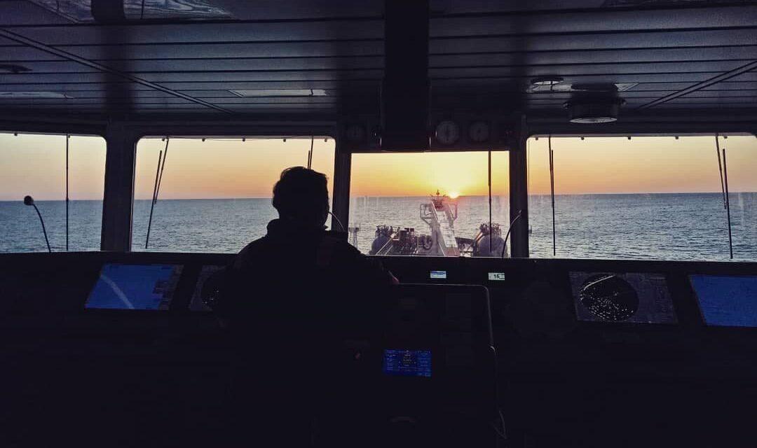 Los marineros varados por el coronavirus llevan a un salto en los costos de la mano de obra