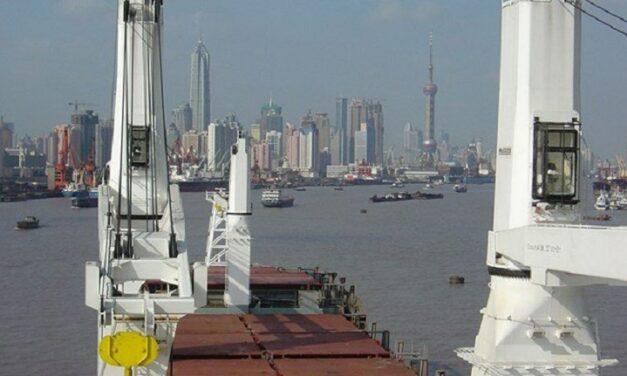 MacGregor recibe un pedido de grúa de más de 10 millones de dólares para cuatro buques de carga general