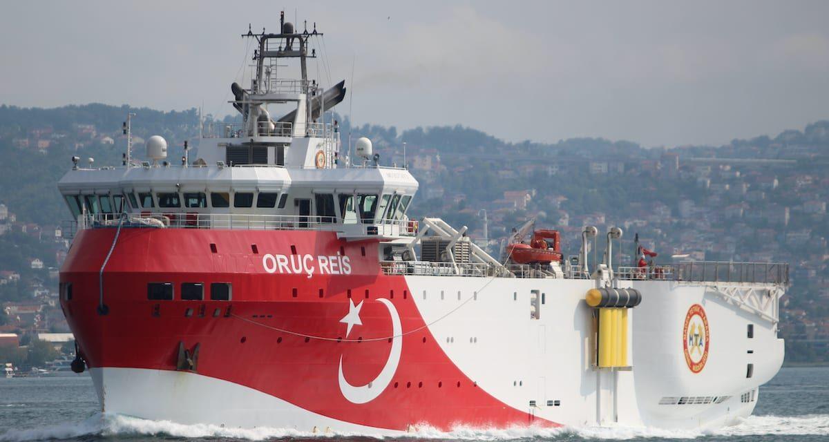 Buque sísmico turco regresa a puerto