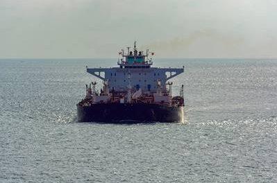 Los comerciantes de petróleo están buscando buques superpetroleros recién construidos para almacenar diesel