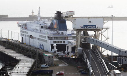El Reino Unido advirtió que el desacuerdo con BREXIT agravaría la crisis del puerto