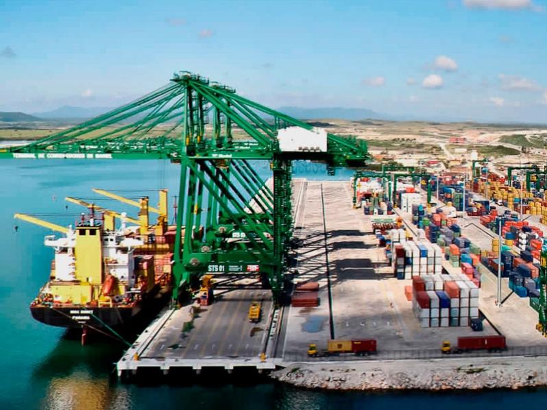 Puerto Mariel de Cuba continúa sin poder atender recaladas de buques Súper Post-Panamax