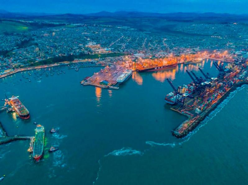 Puerto San Antonio, Chile, lidera en número de atención de naves para la exportación de cerezas del país
