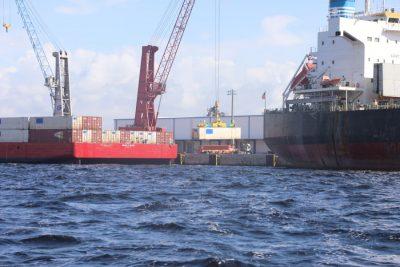 Work Cat inicia servicio de barcazas entre puertos de Brownsville y Tampa Bay
