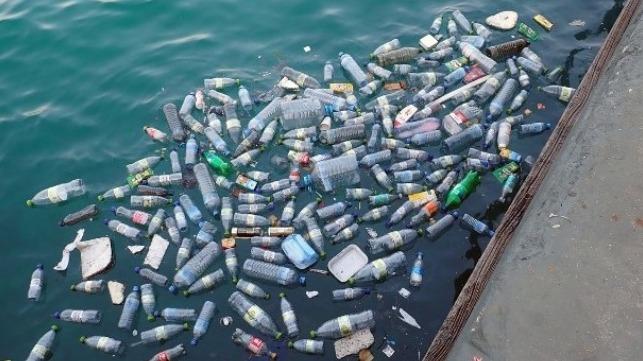 La industria naviera se compromete a eliminar los plásticos de un solo uso en 2021
