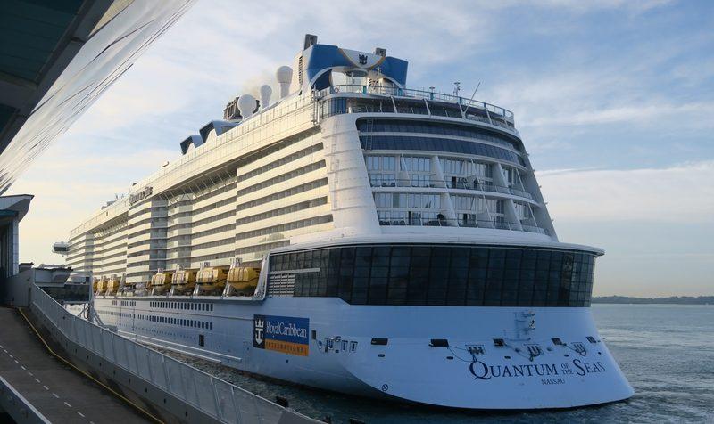 Royal Caribbean podrá retomar salidas en Singapur tras falso positivo de Covid-19 de pasajero