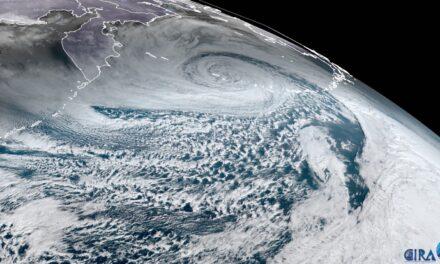 La tormenta de fin de año bate el récord del Pacífico Norte