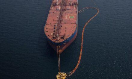 El petróleo tiene la mejor semana en cuatro meses con los precios en alza por el recorte saudí