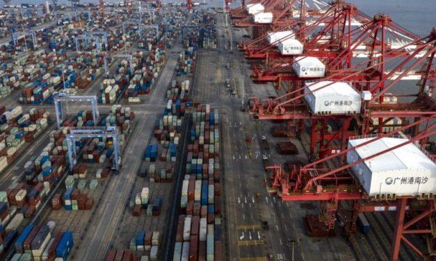 Escasez de contenedores y de capacidad también impacta a exportadores chinos