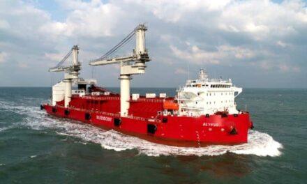 El primer buque de transbordo autodescargable del mundo hace debutar a granelero para la propulsión eléctrica de ABB