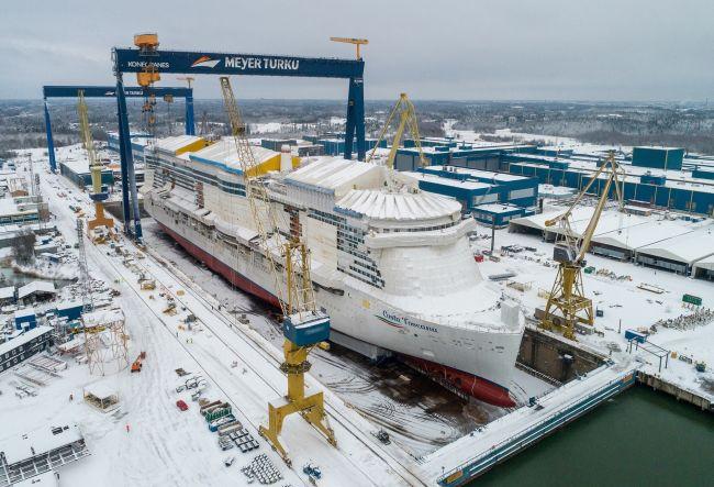 Costa Cruises celebra la puesta a flote del nuevo buque insignia de GNL 'Costa Toscana'.