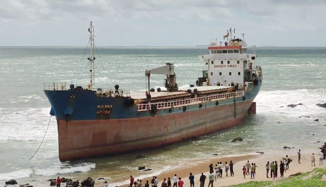 India: La «MV Maa» es abandonada en la costa para ser convertida en un restaurante flotante