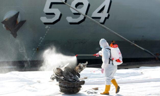 Mar de Java: Equipos SAR se sumergieron en el sitio donde el Sriwijaya Air 737 se estrello