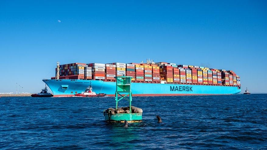 Maersk Essen llega a México con contenedores colapsados