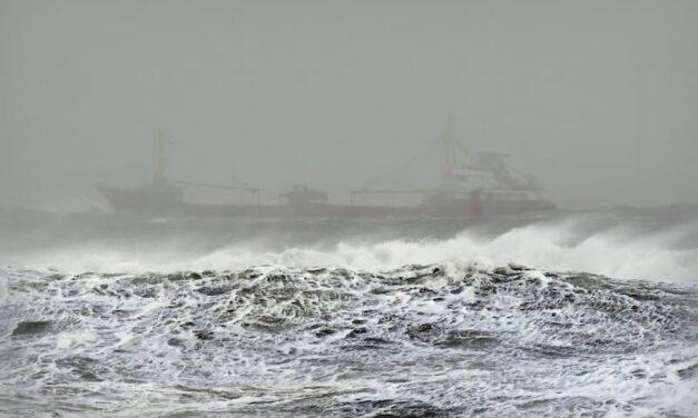 Mar muerto: Carguero se hunde dejando un saldo de dos tripulantes muertos