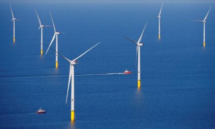 Las grandes petroleras dan un paso adelante para hacerse con la nueva generación de energía eólica marina en el Reino Unido
